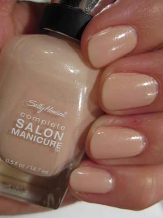 Sally Hansen Lakier Salon Naked Ambition Nr 210